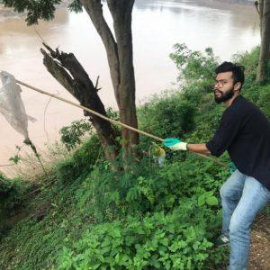 """Inde : un journaliste parcourt l'Asie du Sud pour populariser le """"plogging"""""""