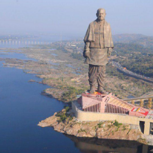 L'Inde a dévoilé la plus grande statue du monde : un colosse de 182 mètres de haut