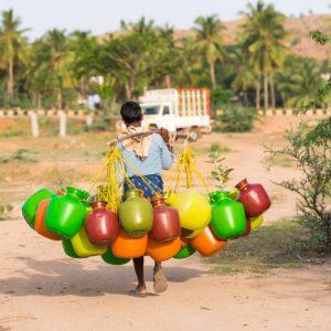 Inde : un ingénieur invente un purificateur d'eau qui fonctionne sans électricité