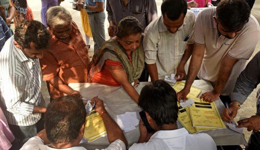 Inde: Bombay vote lors de la quatrième phase des élections législatives